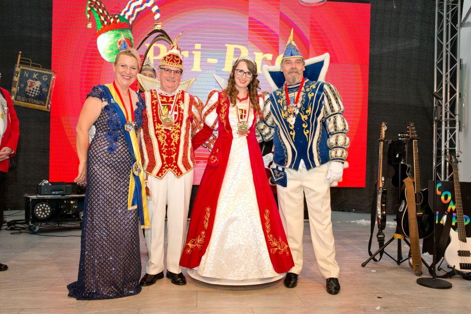 Prinzenproklamation mit Partystimmung