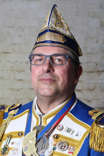Kommandant der Novesia-Garde der NKG Blaue Funken von 1954: Dieter Plake