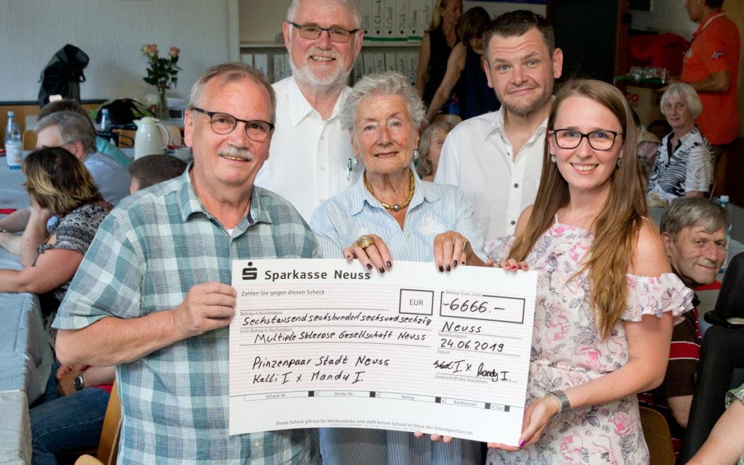 Novesia Mandy I. hilft Deutscher Multiple Sklerose Gesellschaft
