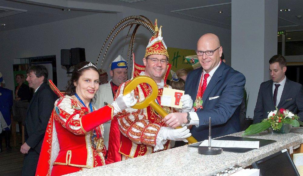 Einzug in die Hofburg Holiday Inn, das neue Domizil für die tollen Tage des Pinzenpaares Bernd I. & Conny I. 2020